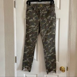 True Craft trendy camouflage ankle skinny jeans